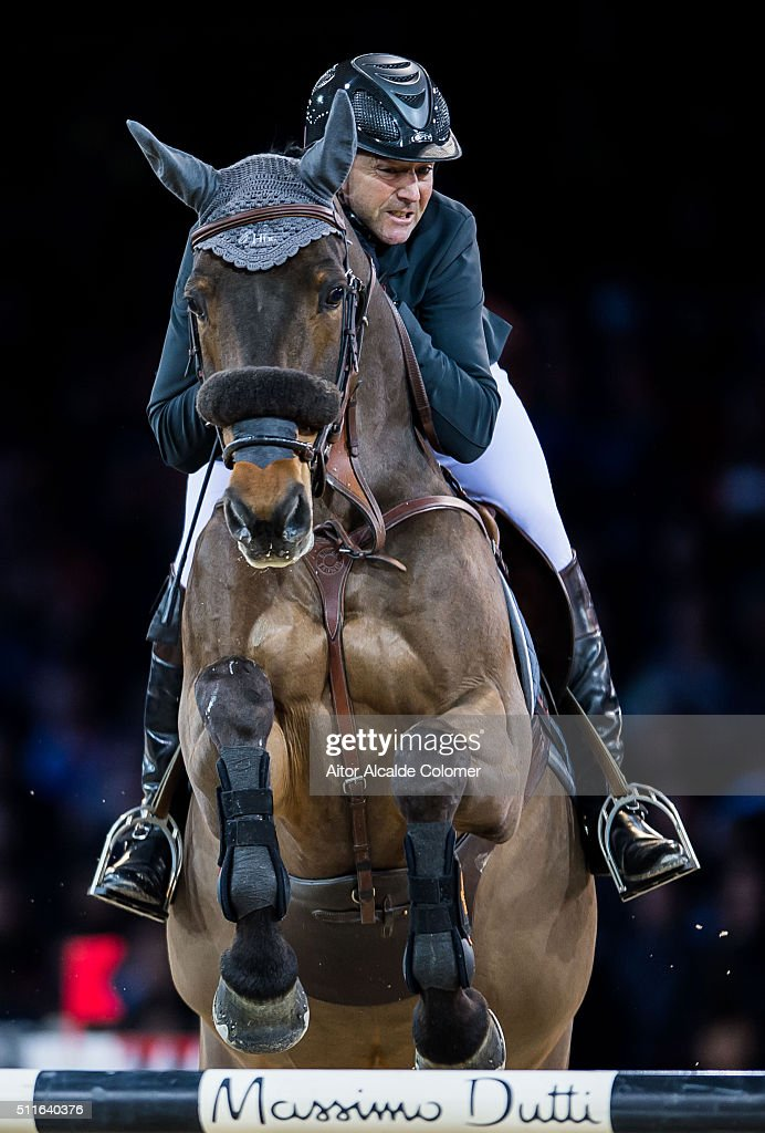 <a gi-track='captionPersonalityLinkClicked' href=/galleries/search?phrase=Patrice+Delaveau&family=editorial&specificpeople=2328789 ng-click='$event.stopPropagation()'>Patrice Delaveau</a> of France rides Caspar 232 during the Longines Grand Prix as part of the 2016 Longines Masters of Hong Kong on February 21, 2016 in Hong Kong, Hong Kong.