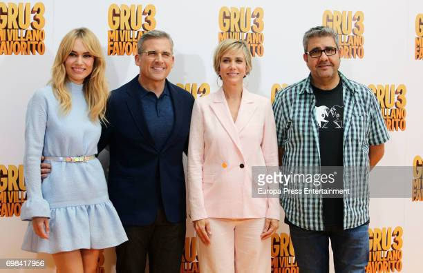 Patricia Conde Steve Carell Kristen Wiig and Florentino Fernandez attend the 'Despicable Me 3' photocall at Santo Mauro hotel on June 20 2017 in...