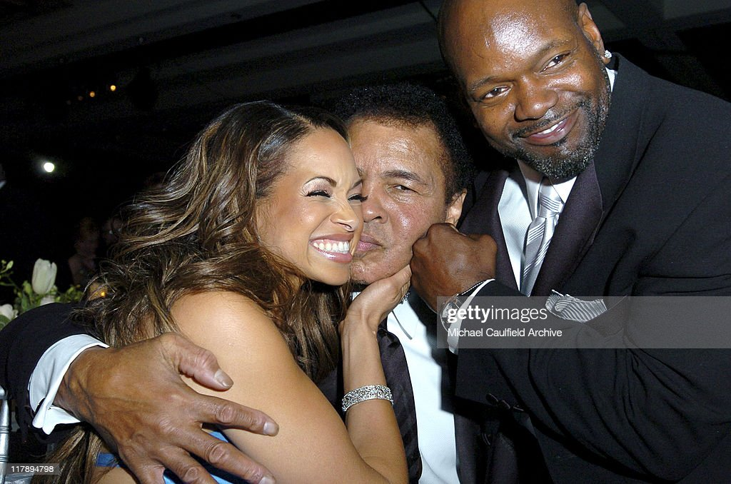 Patricia Southall Muhammad Ali and Emmitt Smith during Celebrity Fight Night XI at Arizona Biltmore Resort in Phoenix Arizona United States