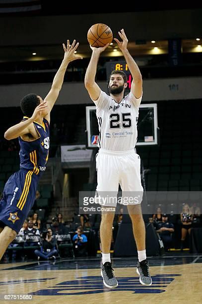 Patricio Garino of the Austin Spurs shoots the ball against the Salt Lake City Stars at the HEB Center At Cedar Park on December 3 2016 in Cedar Park...