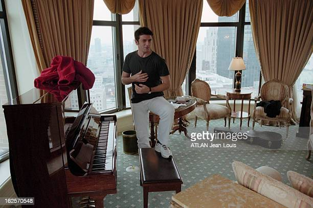 Patrick Bruel On Tour In Canada Canada novembre 1999 Patrick BRUEL fait une tournée de promotion pour la sortie de son nouvel album 'Juste avant'...