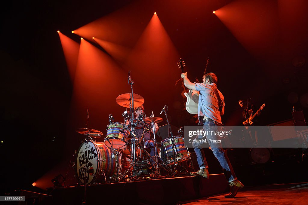 <a gi-track='captionPersonalityLinkClicked' href=/galleries/search?phrase=Patrick+Carney&family=editorial&specificpeople=2234034 ng-click='$event.stopPropagation()'>Patrick Carney</a> and <a gi-track='captionPersonalityLinkClicked' href=/galleries/search?phrase=Dan+Auerbach&family=editorial&specificpeople=2233949 ng-click='$event.stopPropagation()'>Dan Auerbach</a> of The Black Keys perform at Olympiahalle on December 4, 2012 in Munich, Germany.