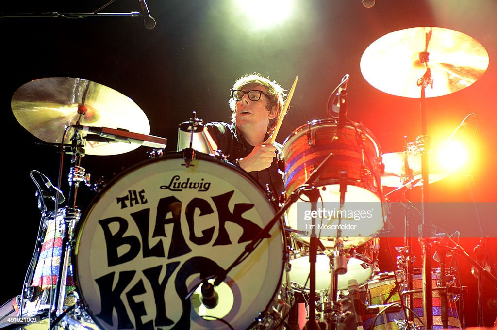 <a gi-track='captionPersonalityLinkClicked' href=/galleries/search?phrase=Patrick+Carney&family=editorial&specificpeople=2234034 ng-click='$event.stopPropagation()'>Patrick Carney</a> of The Black Keys performs during the 2014 Hangout Music Festival at Hangout Beach on May 16, 2014 in Gulf Shores, Alabama.