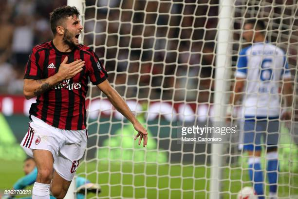 Patrick Cutrone of AC Milan celebrates his goal during the UEFA Europa League Third Qualifying Round Second Leg match between AC Milan and CSU...