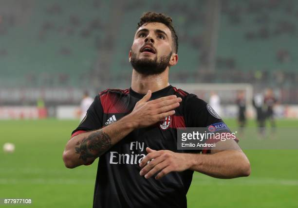 Patrick Cutrone of AC Milan celebrates his second goal during the UEFA Europa League group D match between AC Milan and Austria Wien at Stadio...