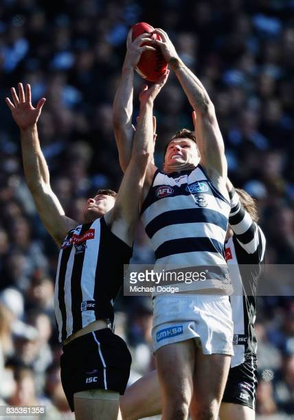Patrick Dangerfield of the Cats marks the ball during the round 22 AFL match between the Collingwood Magpies and the Geelong Cats at Melbourne...