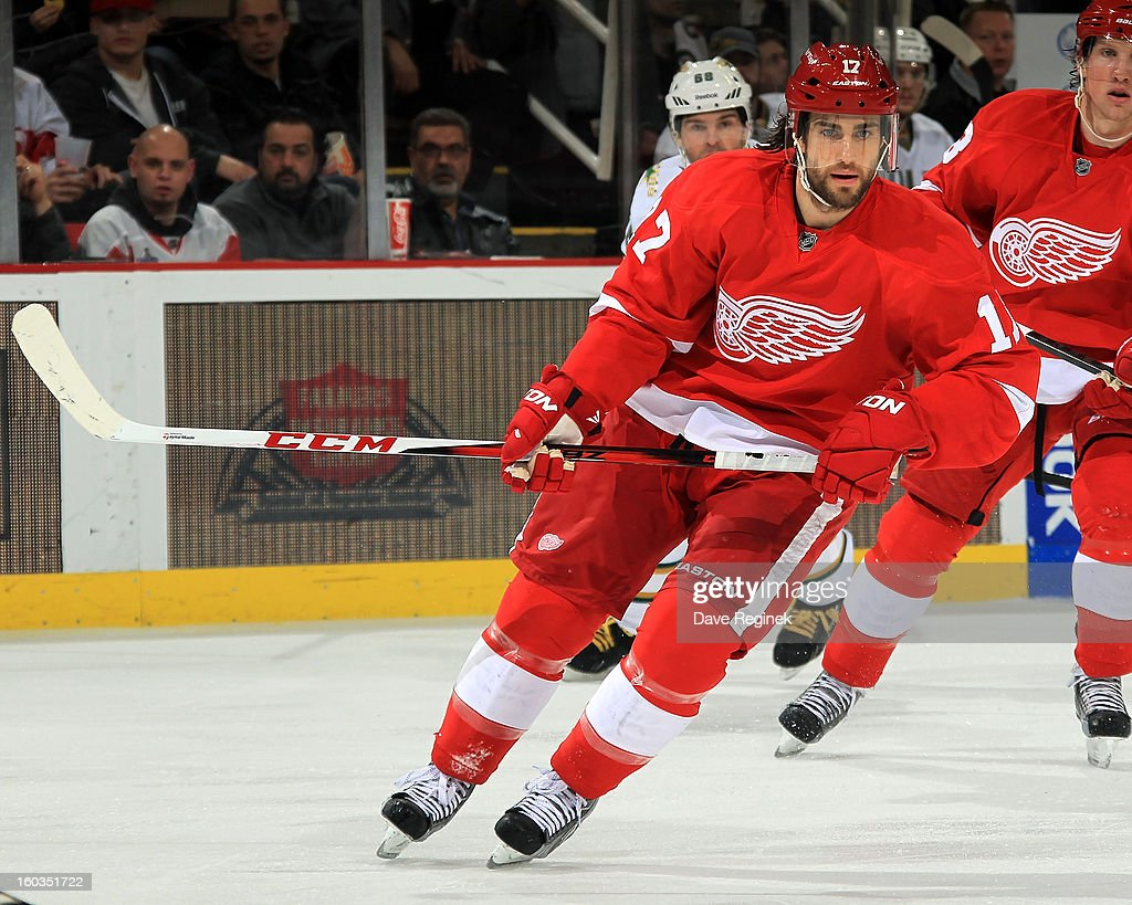 <a gi-track='captionPersonalityLinkClicked' href=/galleries/search?phrase=Patrick+Eaves&family=editorial&specificpeople=616319 ng-click='$event.stopPropagation()'>Patrick Eaves</a> #17 of the Detroit Red Wings skates up ice during an NHL game against the Dallas Stars at Joe Louis Arena on January 29, 2013 in Detroit, Michigan.