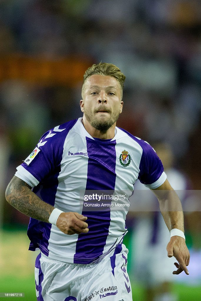 <a gi-track='captionPersonalityLinkClicked' href=/galleries/search?phrase=Patrick+Ebert&family=editorial&specificpeople=604540 ng-click='$event.stopPropagation()'>Patrick Ebert</a> of Real Valladolid CF in action during the La Liga match between Real Valladolid CF and Club Atletico de Madrid at Estadio Jose Zorilla on September 21, 2013 in Valladolid, Spain.