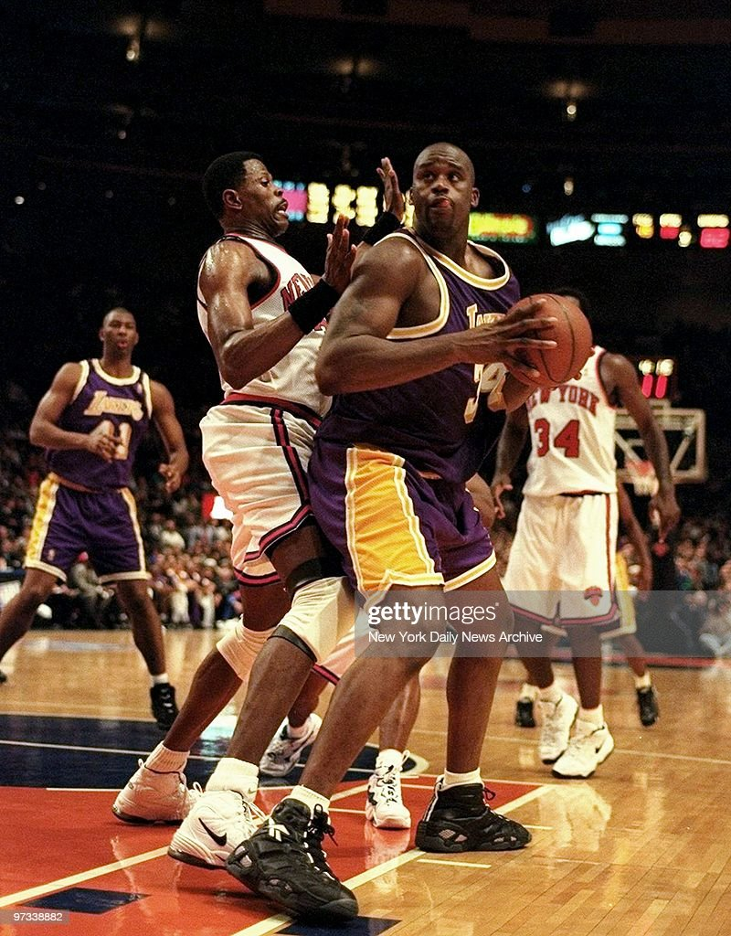 Patrick Ewing of the New York Knicks guards Shaquille O Neal