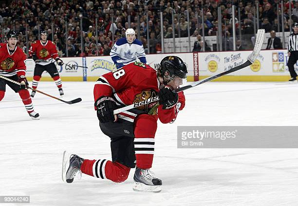 Patrick Kane of the Chicago Blackhawks shoots the puck to get a goal in the 1st period against the Toronto Maple Leafs on November 13 2009 at the...
