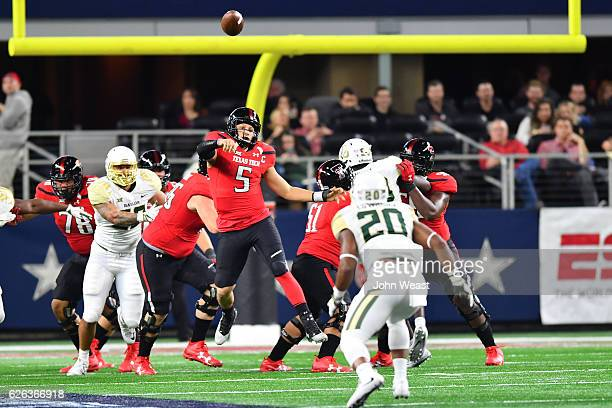 Patrick Mahomes II of the Texas Tech Red Raiders passes the ball during the game against the Baylor Bears on November 25 2016 at ATT Stadium in...