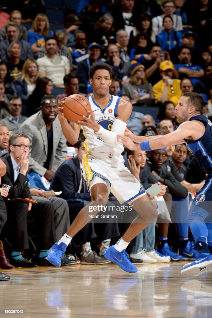 Patrick McCaw #0 of the Golden State Warriors handles the ball against the Dallas Mavericks on December 14, 2017 at ORACLE Arena in Oakland, California.