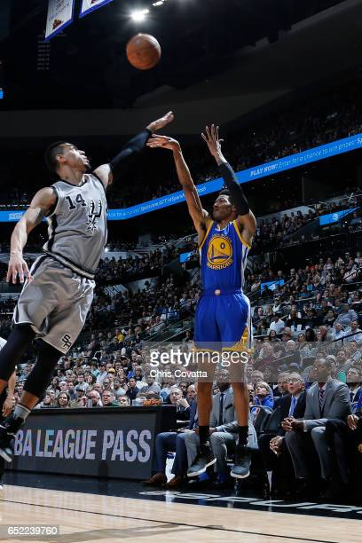 Patrick McCaw of the Golden State Warriors shoots the ball against the San Antonio Spurs on March 11 2017 at the ATT Center in San Antonio Texas NOTE...