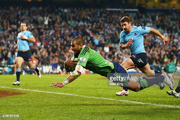 Patrick Osborne of the Highlanders scores the final try during the Super Rugby Semi Final match between the Waratahs and the Highlanders at Allianz...