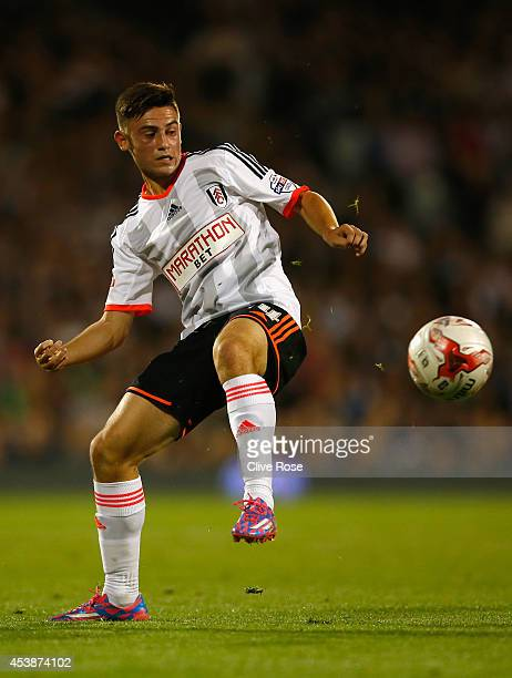 Patrick Roberts of Fulham in action during the Sky Bet Championship match between Fulham and Wolverhampton Wanderers at Craven Cottage on August 20...