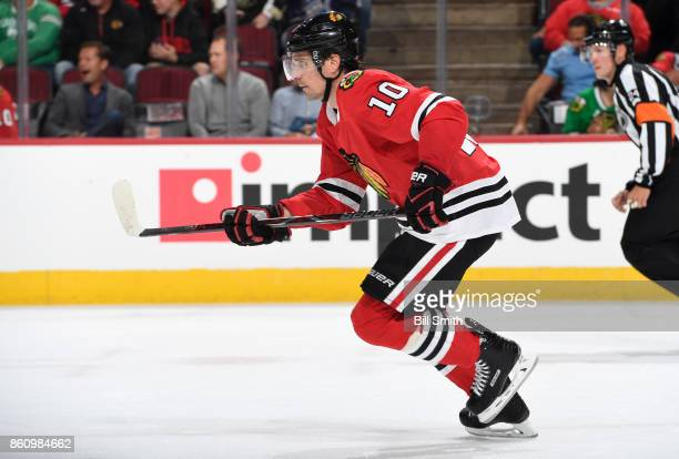 Patrick Sharp of the Chicago Blackhawks skates during the game against the Pittsburgh Penguins at the United Center on October 5 2017 in Chicago...
