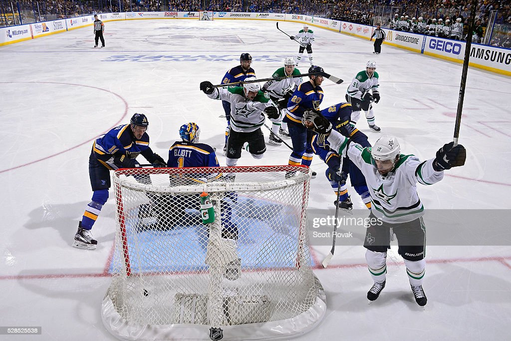 <a gi-track='captionPersonalityLinkClicked' href=/galleries/search?phrase=Patrick+Sharp&family=editorial&specificpeople=206279 ng-click='$event.stopPropagation()'>Patrick Sharp</a> #10 of the Dallas Stars celebrates after scoring against <a gi-track='captionPersonalityLinkClicked' href=/galleries/search?phrase=Brian+Elliott&family=editorial&specificpeople=687032 ng-click='$event.stopPropagation()'>Brian Elliott</a> #1 of the St. Louis Blues in Game Four of the Western Conference Second Round during the 2016 NHL Stanley Cup Playoffs at the Scottrade Center on May 5, 2016 in St. Louis, Missouri.