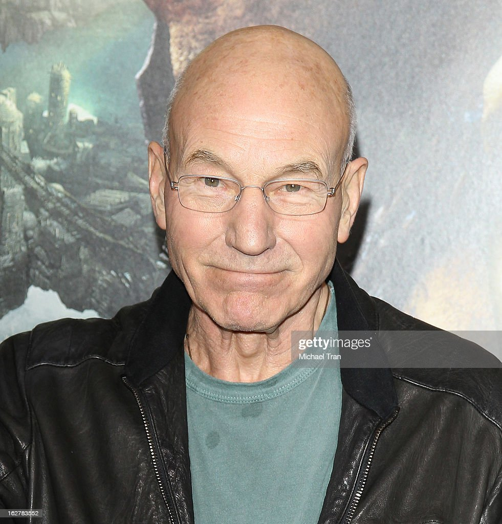 <a gi-track='captionPersonalityLinkClicked' href=/galleries/search?phrase=Patrick+Stewart&family=editorial&specificpeople=203271 ng-click='$event.stopPropagation()'>Patrick Stewart</a> arrives at the Los Angeles premiere of 'Jack The Giant Slayer' held at TCL Chinese Theatre on February 26, 2013 in Hollywood, California.