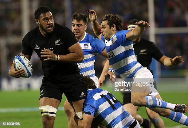 Patrick Tuipulotu of New Zealand is tackled during match between New Zealand and Argentina as part of Rugby Championship 2016 at Jose Amalfitani...