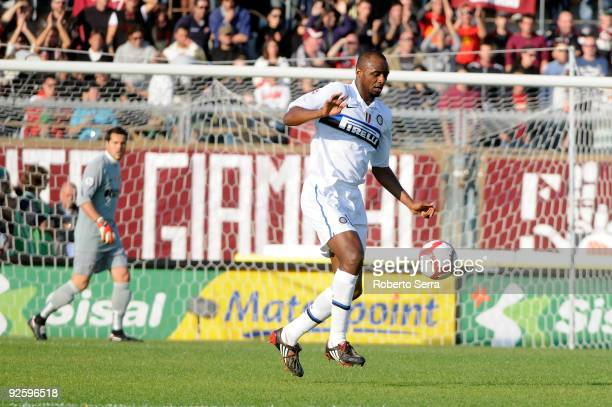 Patrick Vieira in action during the Serie A match between Livorno and Inter Milan at Stadio Armando Picchi on November 1 2009 in Livorno Italy