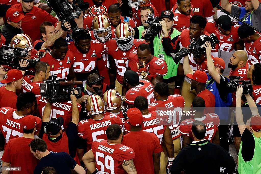 Patrick Willis #52 of the San Francisco 49ers addresses his teammates in a huddle prior to playing against the Baltimore Ravens during Super Bowl XLVII at the Mercedes-Benz Superdome on February 3, 2013 in New Orleans, Louisiana.