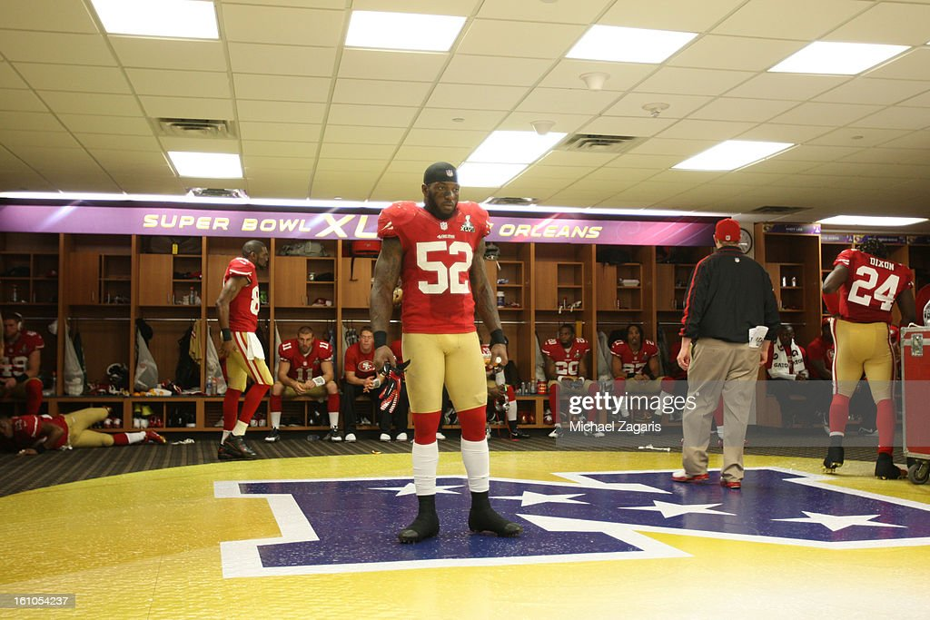 Patrick Willis #52 of the San Francisco 49ers surveys the locker room during halftime of Super Bowl XLVII against the Baltimore Ravens at the Mercedes-Benz Superdome on February 3, 2013 in New Orleans, Louisiana. The Ravens won 34-31.
