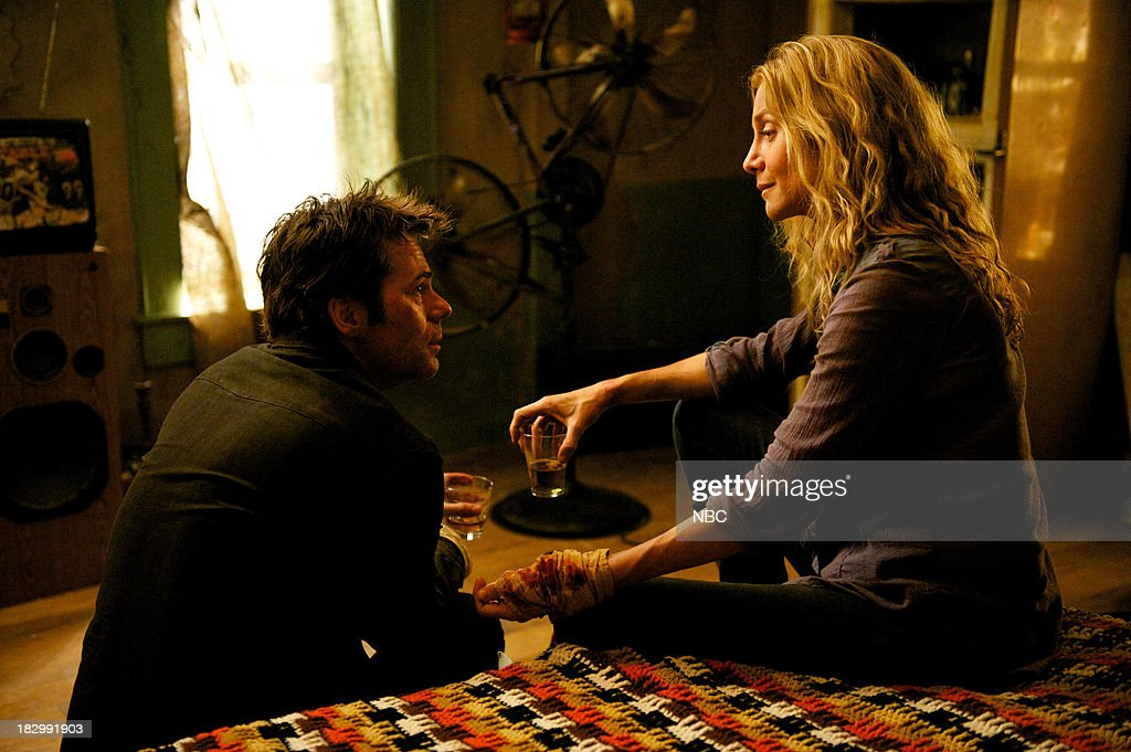 REVOLUTION -- 'Patriot Games' Episode 204 -- Pictured: (l-r) Billy Burke as Miles Matheson, Elizabeth Mitchell as Rachel Matheson --
