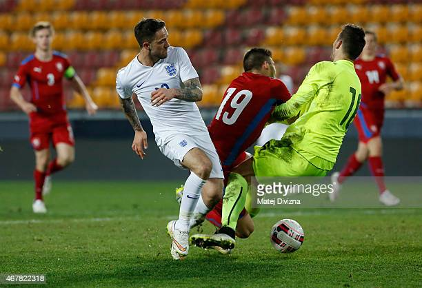 Patrizio Stronati and Jiri Pavlenka of Czech Republic battle for the ball with Danny Ings of England during the international friendly match between...