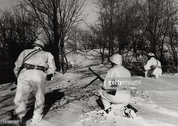 A patrol of the Italian battalion 'Monte Cervino' advancing in the area between Nowo and Malo Horlowka on the front of the 'Torino' division Ukraine...
