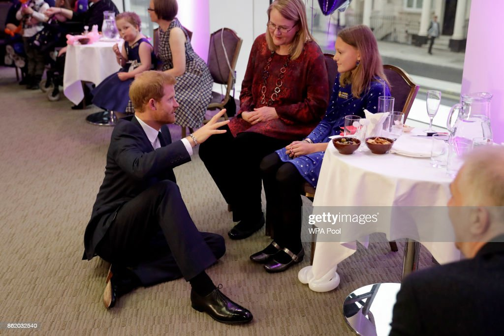 patron-of-wellchild-prince-harry-meets-sasha-burrell-aged-13-the-of-picture-id862032540