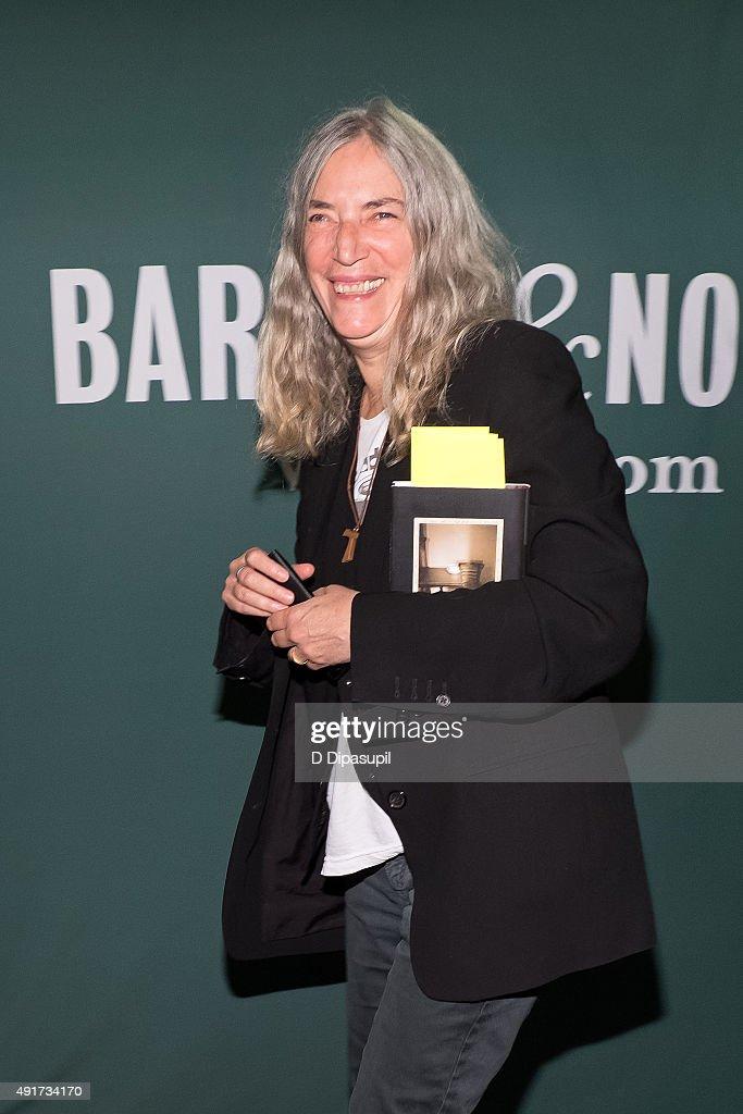 """Patti Smith Signs Copies Of """"M Train"""""""