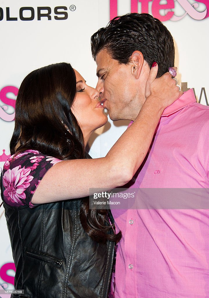 <a gi-track='captionPersonalityLinkClicked' href=/galleries/search?phrase=Patti+Stanger&family=editorial&specificpeople=5446458 ng-click='$event.stopPropagation()'>Patti Stanger</a> and David Krause arrives at Life & Style's Hollywood In Bright Pink Event Hosted By Giuliana Rancic at Bagatelle on October 9, 2013 in Los Angeles, California.