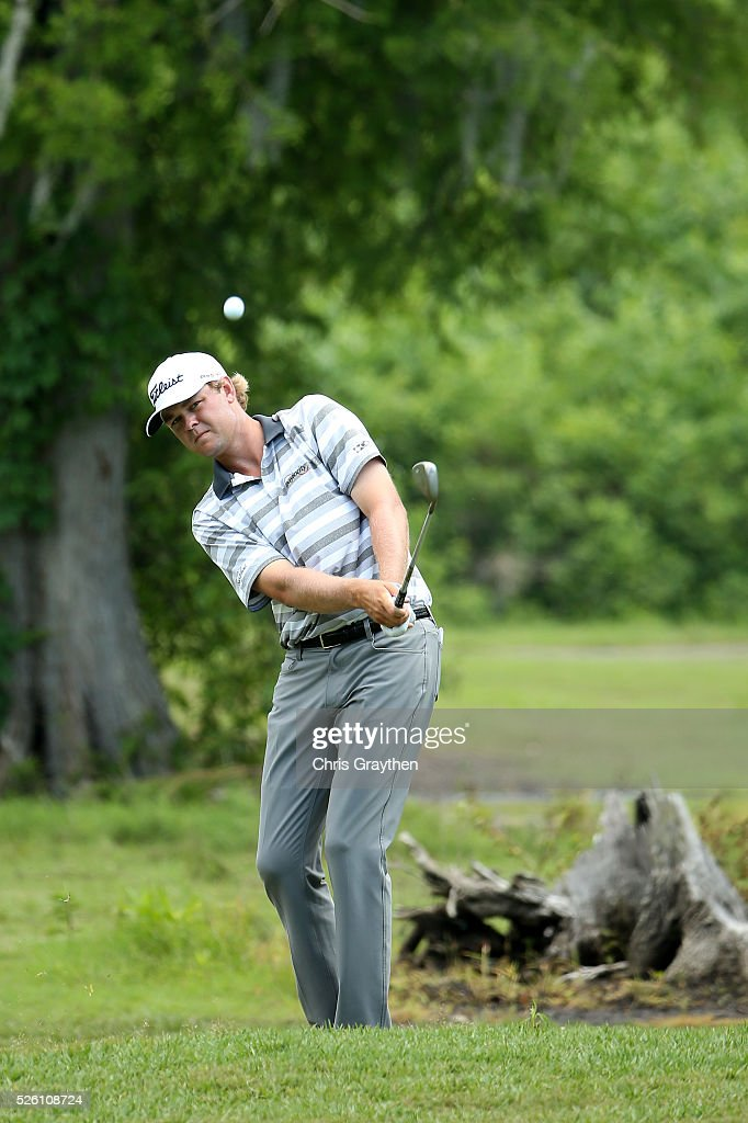 <a gi-track='captionPersonalityLinkClicked' href=/galleries/search?phrase=Patton+Kizzire&family=editorial&specificpeople=5533777 ng-click='$event.stopPropagation()'>Patton Kizzire</a> chips on the first hole during the second round of the Zurich Classic of New Orleans at TPC Louisiana on April 29, 2016 in Avondale, Louisiana.