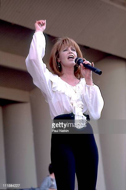 Patty Loveless on 6/29/96 in Chicago Il