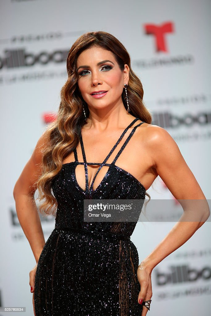 Paty Manterola poses during the red carpet of Billboard Latin Music Awards 2016 at Bank United Center on April 28, 2016 in Miami, United States.