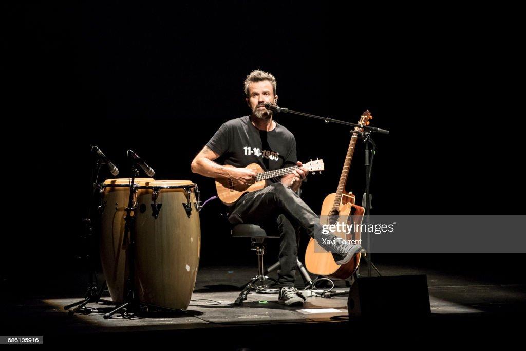Jarabe De Palo Perform in Concert in Barcelona