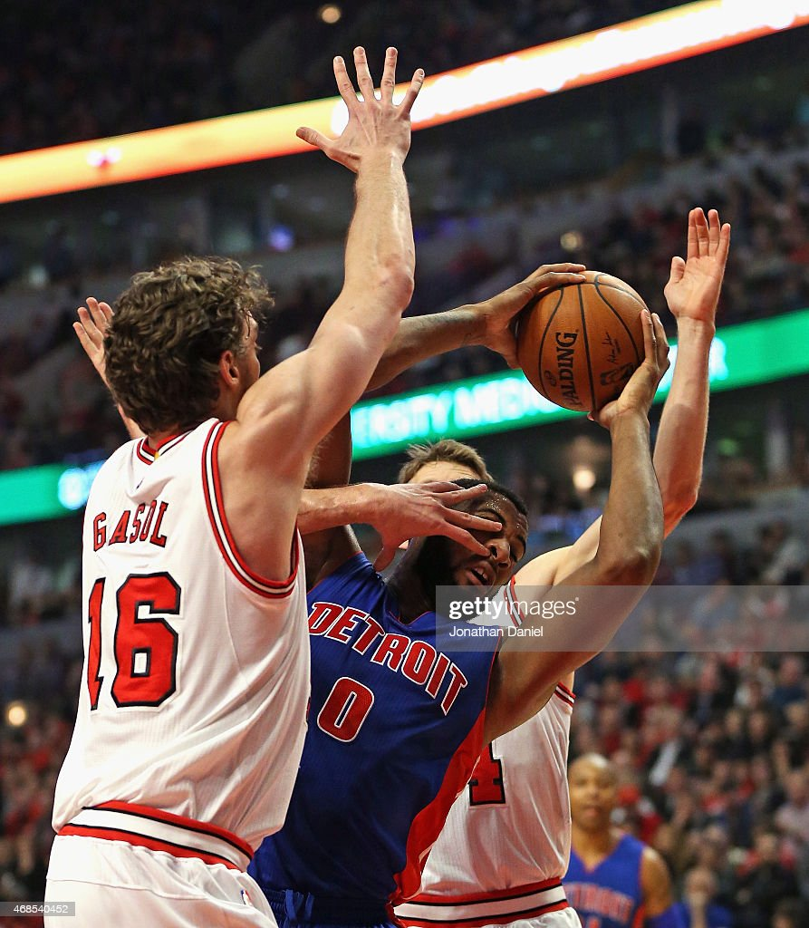 Pau Gasol #16 of the Chicago Bulls fouls Andre Drummond #0 of the Detroit Pistons in the face at the United Center on April 3, 2015 in Chicago, Illinois.