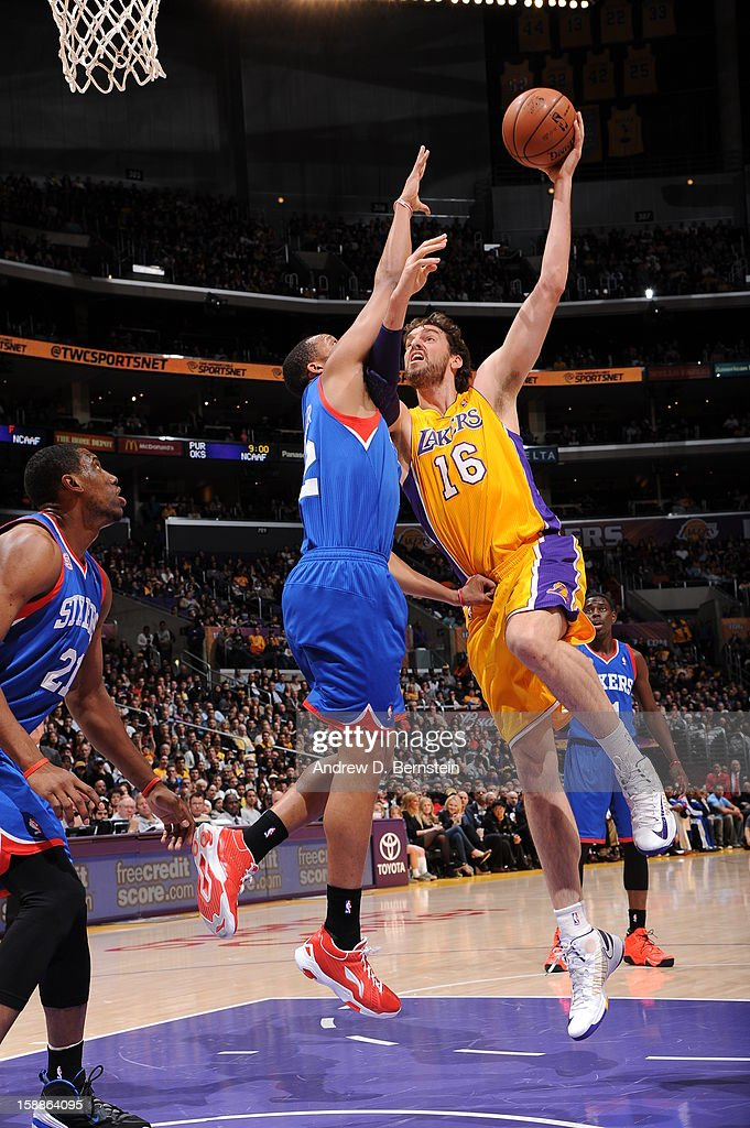 Pau Gasol #16 of the Los Angeles Lakers rises for a shot against the Philadelphia 76ers at Staples Center on January 1, 2013 in Los Angeles, California.