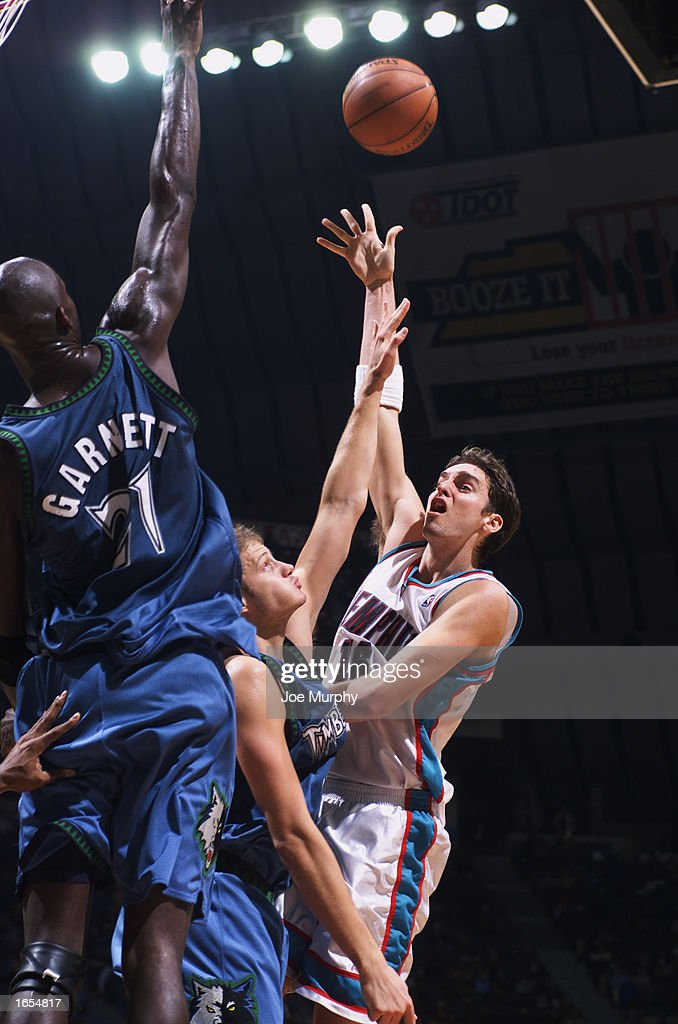 Pau Gasol #16 of the Memphis Grizzlies goes up for the shot during the NBA game against the Minnesota Timberwolves at The Pyramid on November 15, 2002 in Memphis, Tennessee. The Timberwolves won 99-95.