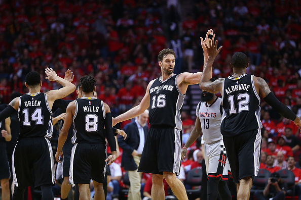 San Antonio Spurs v Houston Rockets - Game Six : News Photo