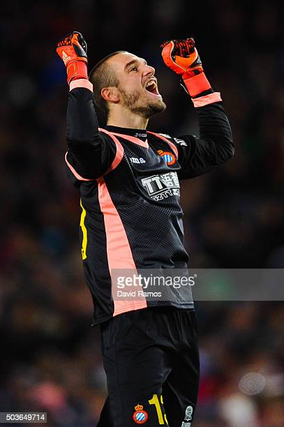Pau Lopez of RCD Espanyol celebrates after Felipe Caicedo of RCD Espanyol scored the opening goal during the Copa del Rey Round of 16 first leg match...