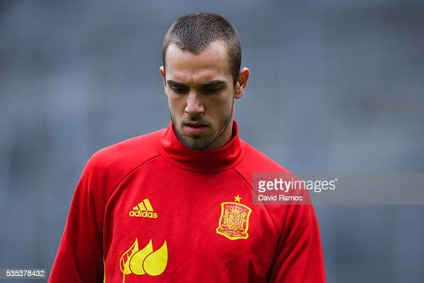 Pau Lopez of Spain looks on during the warm up before the kickoff of an international friendly match between Spain and Bosnia at the AFG Arena on May...