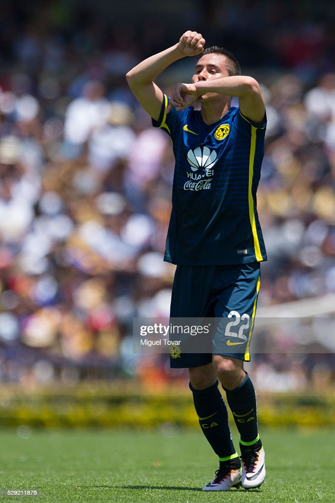 <a gi-track='captionPersonalityLinkClicked' href=/galleries/search?phrase=Paul+Aguilar&family=editorial&specificpeople=4476672 ng-click='$event.stopPropagation()'>Paul Aguilar</a> of America celebrates after scoring during the 17th round match between Pumas UNAM and America as part of the Clausura 2016 Liga MX at Olimpico Universitario Stadium on May 08, 2016 in Mexico City, Mexico.