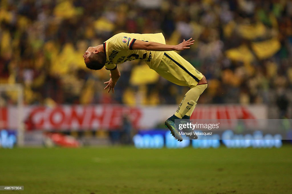<a gi-track='captionPersonalityLinkClicked' href=/galleries/search?phrase=Paul+Aguilar&family=editorial&specificpeople=4476672 ng-click='$event.stopPropagation()'>Paul Aguilar</a> of America celebrates after scoring the second goal of his team during the quarterfinals first leg match between America and Leon as part of the Apertura 2015 Liga MX at Azteca Stadium on November 25, 2015 in Mexico City, Mexico.