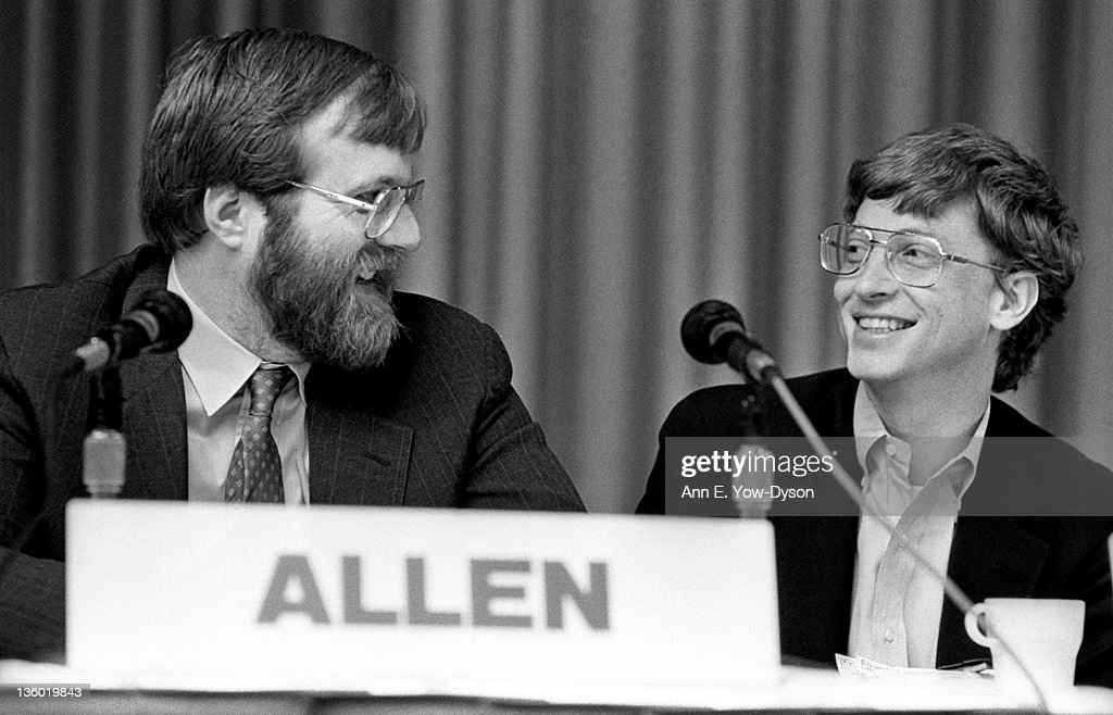 <a gi-track='captionPersonalityLinkClicked' href=/galleries/search?phrase=Paul+Allen&family=editorial&specificpeople=206926 ng-click='$event.stopPropagation()'>Paul Allen</a>, from Asymetrix Corporation/Vulcan Inc., and <a gi-track='captionPersonalityLinkClicked' href=/galleries/search?phrase=Bill+Gates&family=editorial&specificpeople=202049 ng-click='$event.stopPropagation()'>Bill Gates</a>, from Microsoft, share a laugh at the annual PC Forum, Phoenix, Arizona, February 22-25, 1987.
