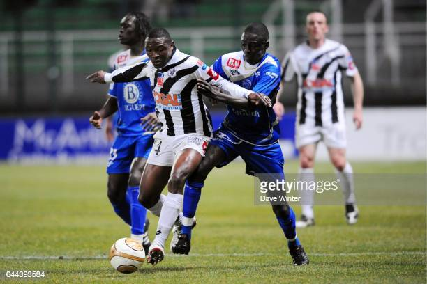 Paul ALO'O / Cherif Ousmane SARR Troyes / Angers 27eme journee de Ligue 2 Photo Dave Winter / Icon Sport