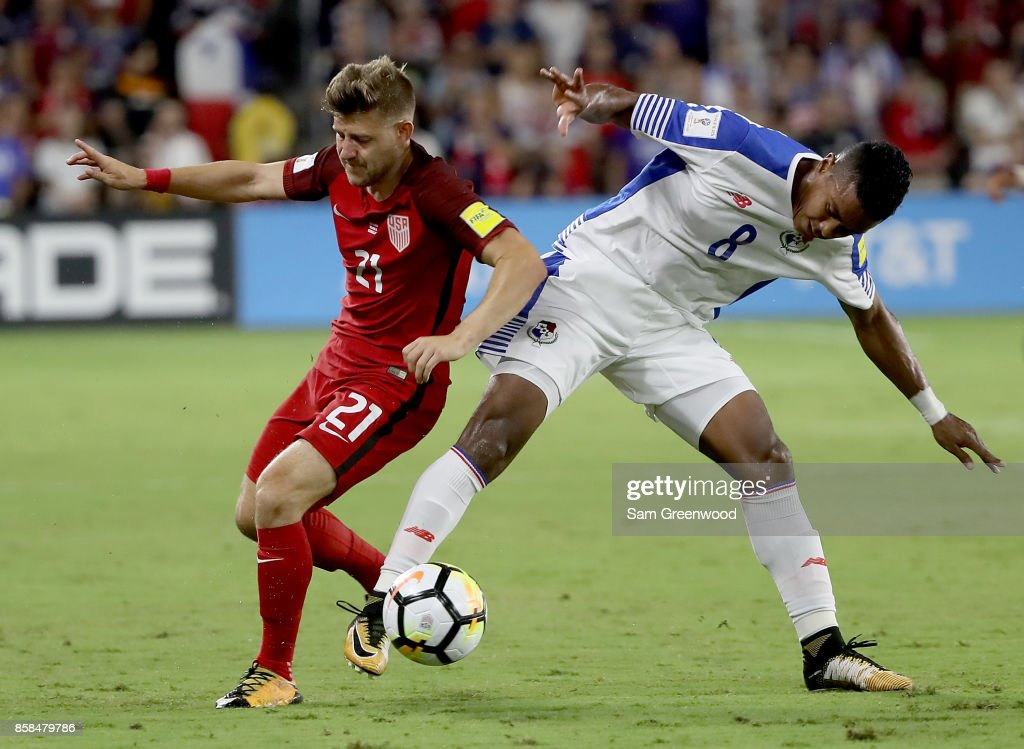 Paul Arriola #21 of the United States drives past Edgar Barcenas #8 of Panama during the final round qualifying match for the 2018 FIFA World Cup at Orlando City Stadium on October 6, 2017 in Orlando, Florida.