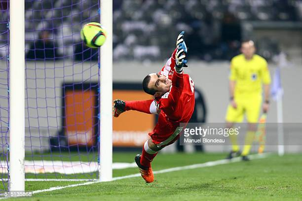 Paul Bernardoni of Bordeaux fails to stop a penalty shoot out kick for goal during the French Ligue 1 match between Toulouse FC v FC Girondins de...