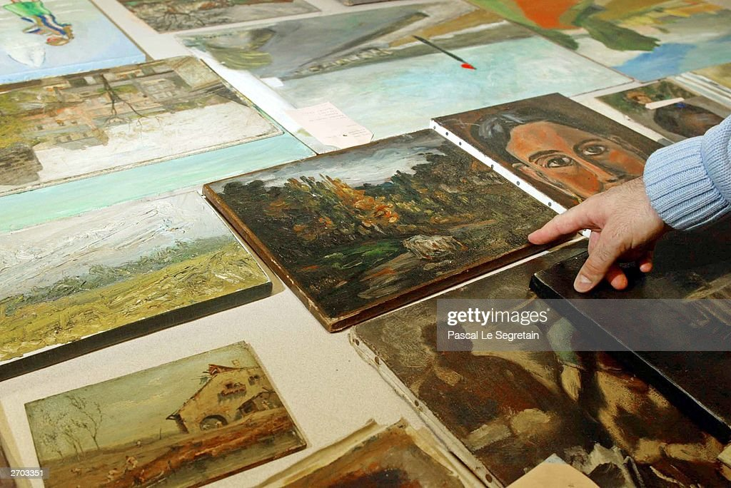 french police discover picasso amongst hoard of stolen paintings getty images. Black Bedroom Furniture Sets. Home Design Ideas