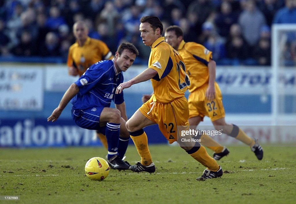 Paul Dickov of Leicester in action during the Nationwide League Division One match between Gillingham and Leicester City at The Priestfield Stadium in Gillingham on January 18, 2003 in Gillingham, England. (Photo by Clive Rose/Getty Images).